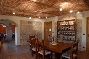 tavolo legno ristorante -min